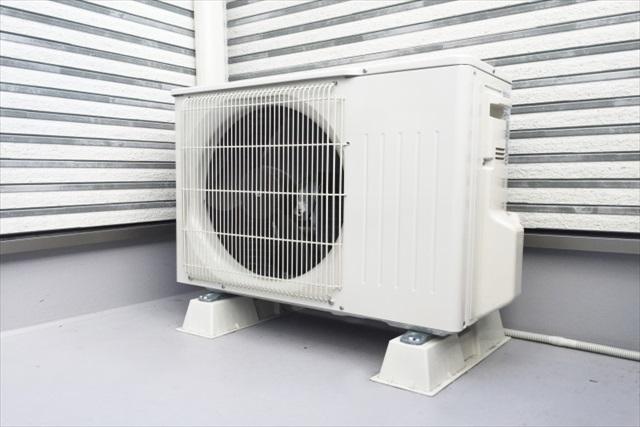 エアコン室外機にも定期的なクリーニングが必要な理由とは?