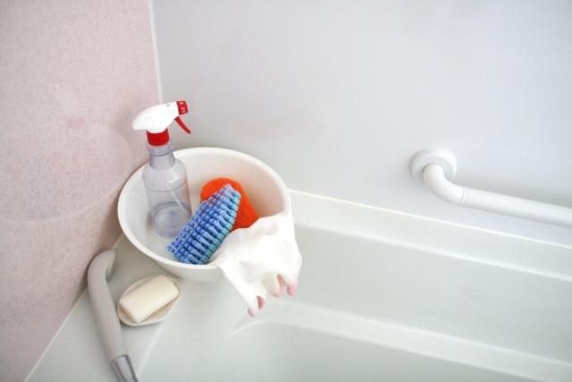 ハウスクリーニングで実現!浴槽の頑固な汚れやトイレもまとめて「手軽にきれい」